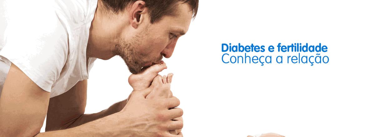 pai com diabetes beija pé de filho, conseguiu evitar a infertilidade
