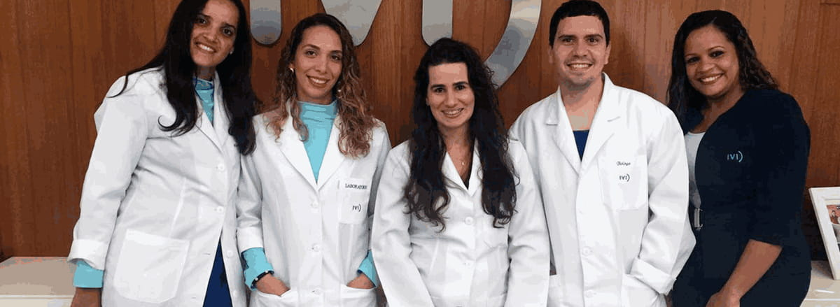 equipe do laboratório de embirologia do IVI Salvador